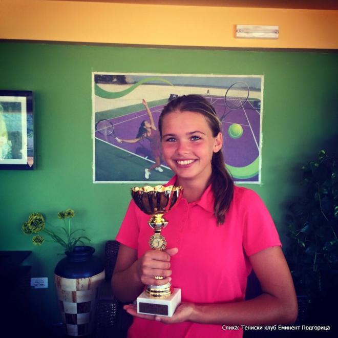 Edisa Hott, Eminent kup do 14 godina, Teniski klub Eminent Podgorica