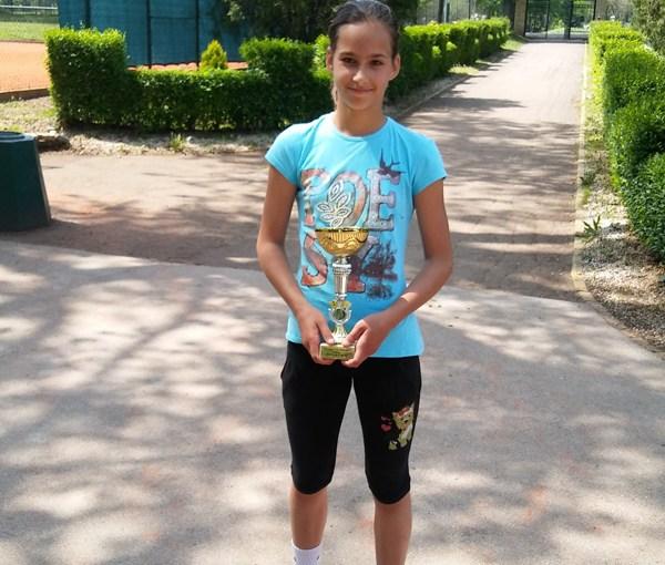 Mala teniserka Milica Drljan