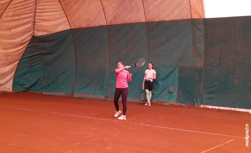 Trening u TK Haron, Teniski klub Haron Beograd