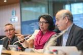 De gauche à droite : Otto KAUFMANN (Chercheur HDR, Institut Max-Planck de droit social et de politique sociale), Malika BENARAB-ATTOU (eurodéputée Les Verts/ALE) et Omar BRIXI (médecin et enseignant en santé publique)
