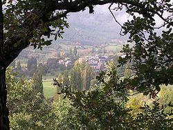 Vista de Aso de Sobremonte desde los montes de Betés (Imagen: Biquipedia)