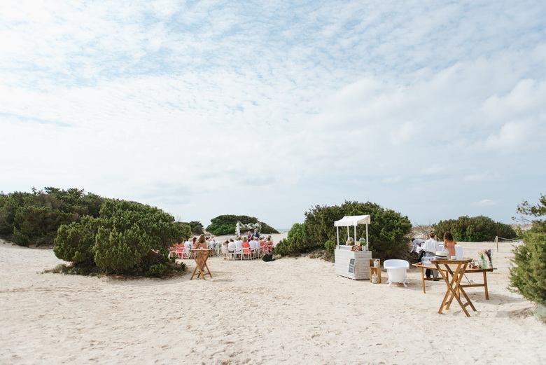 simply-perfect-boho-chic-inspired-beach-wedding-in-majorca-mallorca-boutique-weddings-2018-12