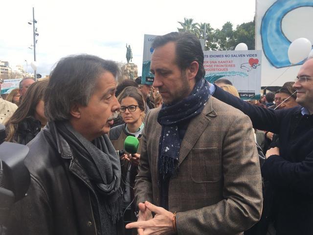 Manifestación Mos Movem requisito catalan Jose Ramón Bauzá Xavier Pericay