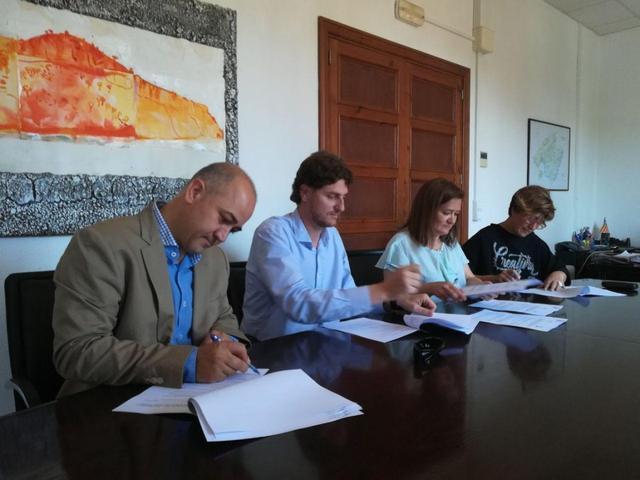 Mercedes Garrido con alcaldes de Campos, Porreres y Costitx 2