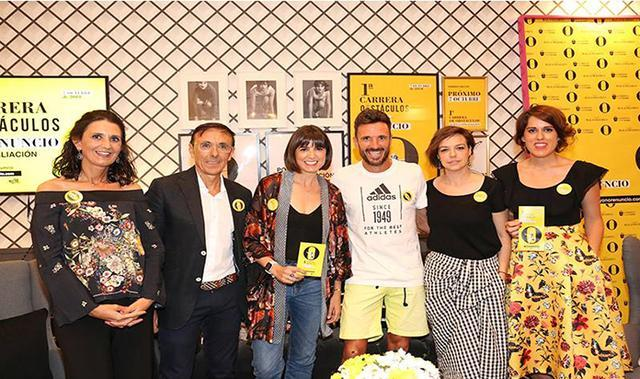 El atleta Chema Martínez y la periodista Cristina Villanueva en el centro