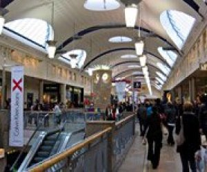 Inside Bluewater shopping centre. Pic: Rictor Norton & David Allen, CC