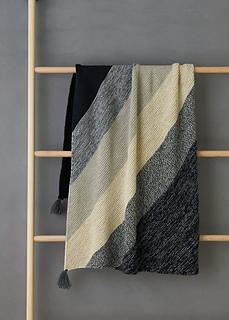 Rectangular Colorblock Bias Blanket, couverture ua tricot