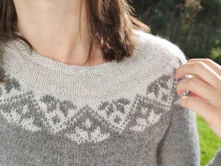 Ixia (sweater)- pull jacquard au tricot