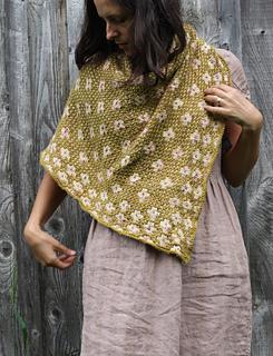 Pressed flower - 10 modèles de châle au tricot pour l'automne