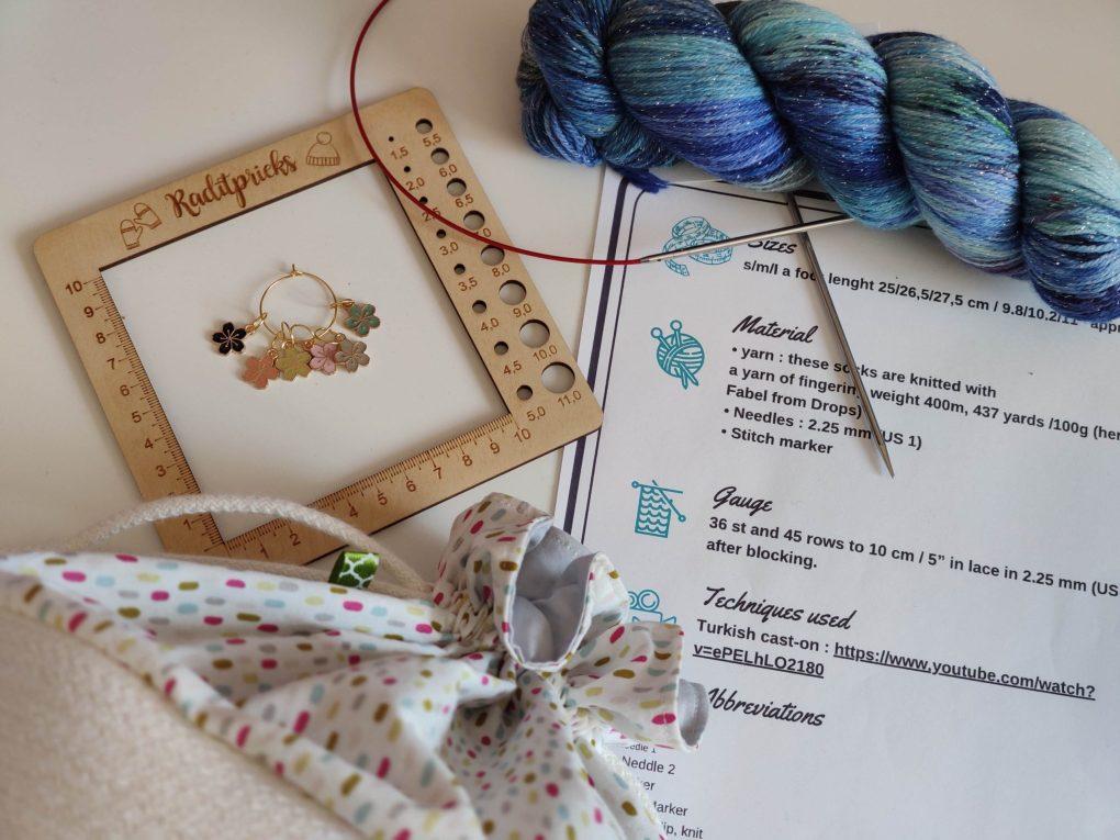 Tricoter un patron en Anglais - Maloraé Designs