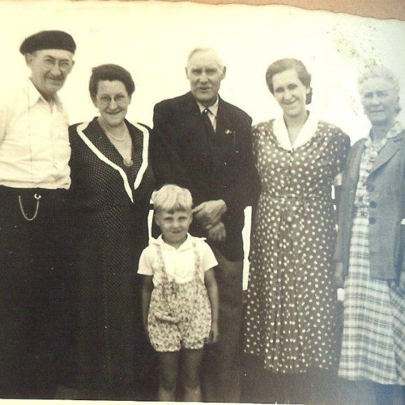 Willie, Gabrielle, Pierre père, Peter, Wilhelmine, Frida
