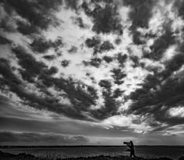 © GERARD CAZADE