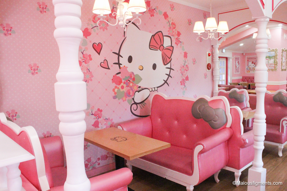 hello kitty cafe and cat cafe seoul