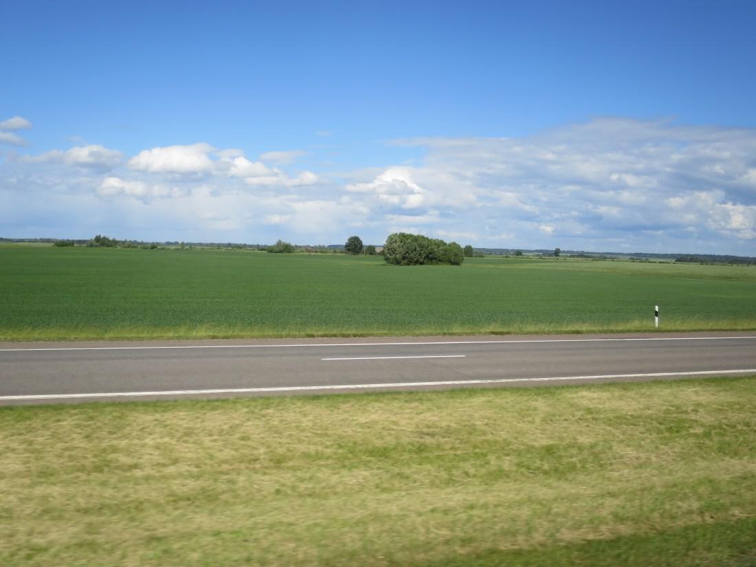 バルト三国のバス移動中の景色