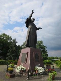 ヤスナ・グラ修道院-銅像