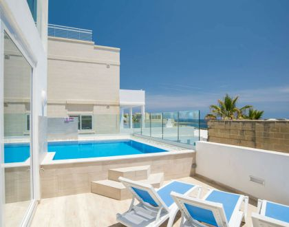 Sea Bank - Brand New Sea-Front Villa Apt with Private Pool
