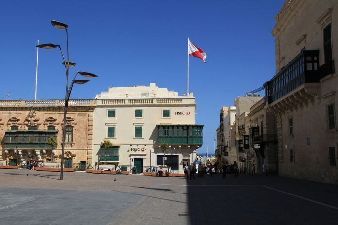 HSBC in Valletta. (source: Wikimedia Commons/Frank Vincentz)