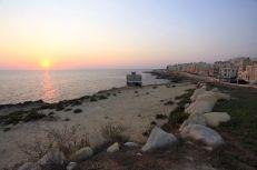 Napkelte Xgħajra tengerpartján