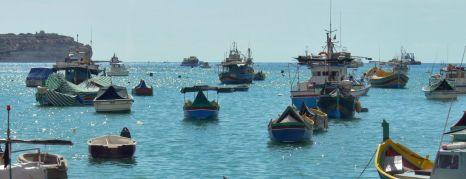 Csónakok a Marsaxlokk öbölben