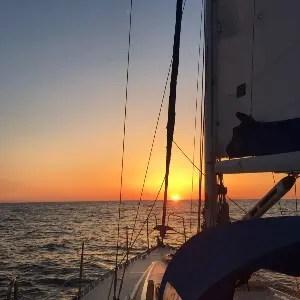 ヨットを楽しむ MALU SAILNIG