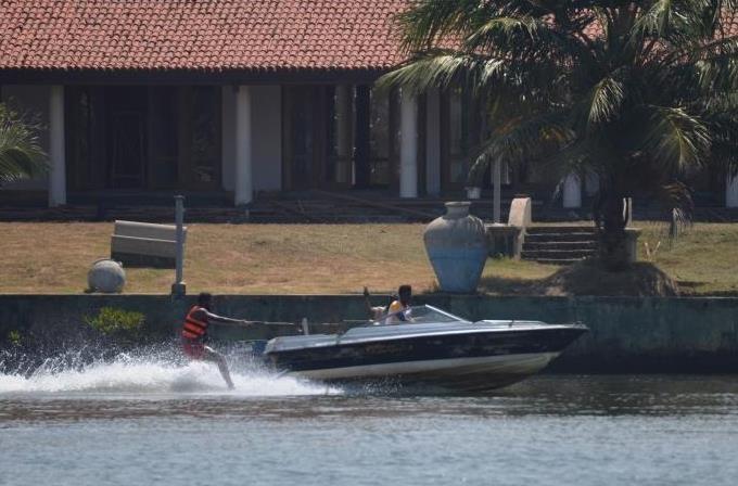 Water Ski Malu Banna Bentota Sri Lanka