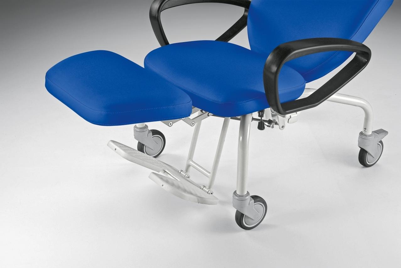 Easy chair on wheels for hospital  Malvestio