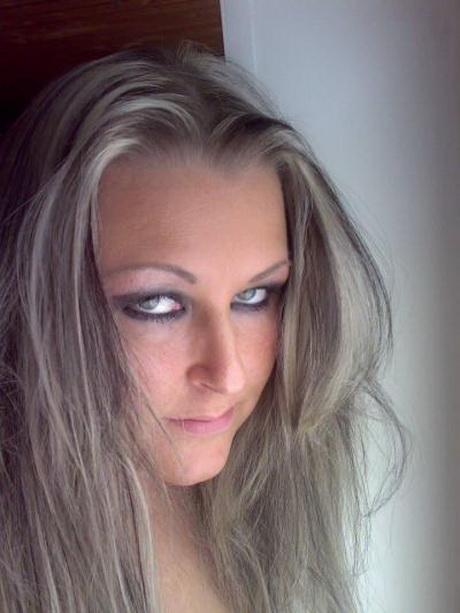 Blond gestrhnte haare