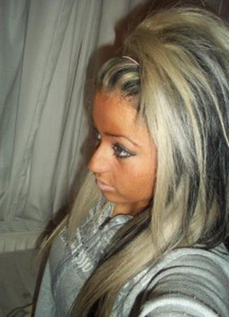 Blonde haare mit schwarzen strhnen