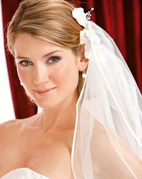 Brautfrisuren kurzhaar mit schleier