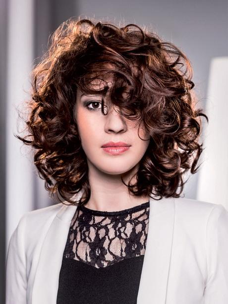 Frisuren mit locken 2015