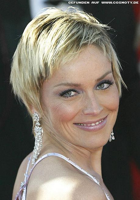 Kurzhaarschnitt blond