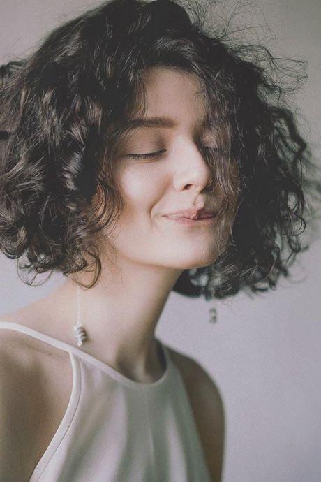 Frisuren halblang mit locken