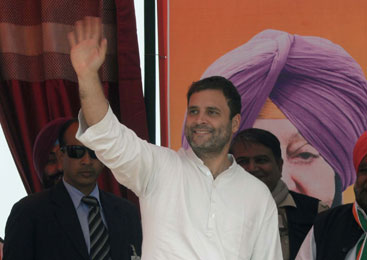 Rahul takes Lambi by storm, promises time-bound initiatives under Capt Amarinder to provide land, jobs for poor & Dalits