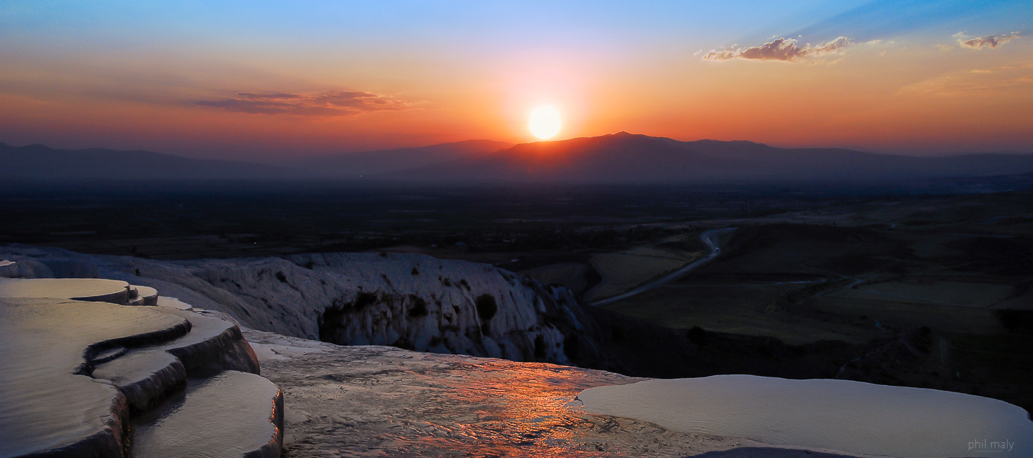 Sunset over the thermal pools of Pamukkale