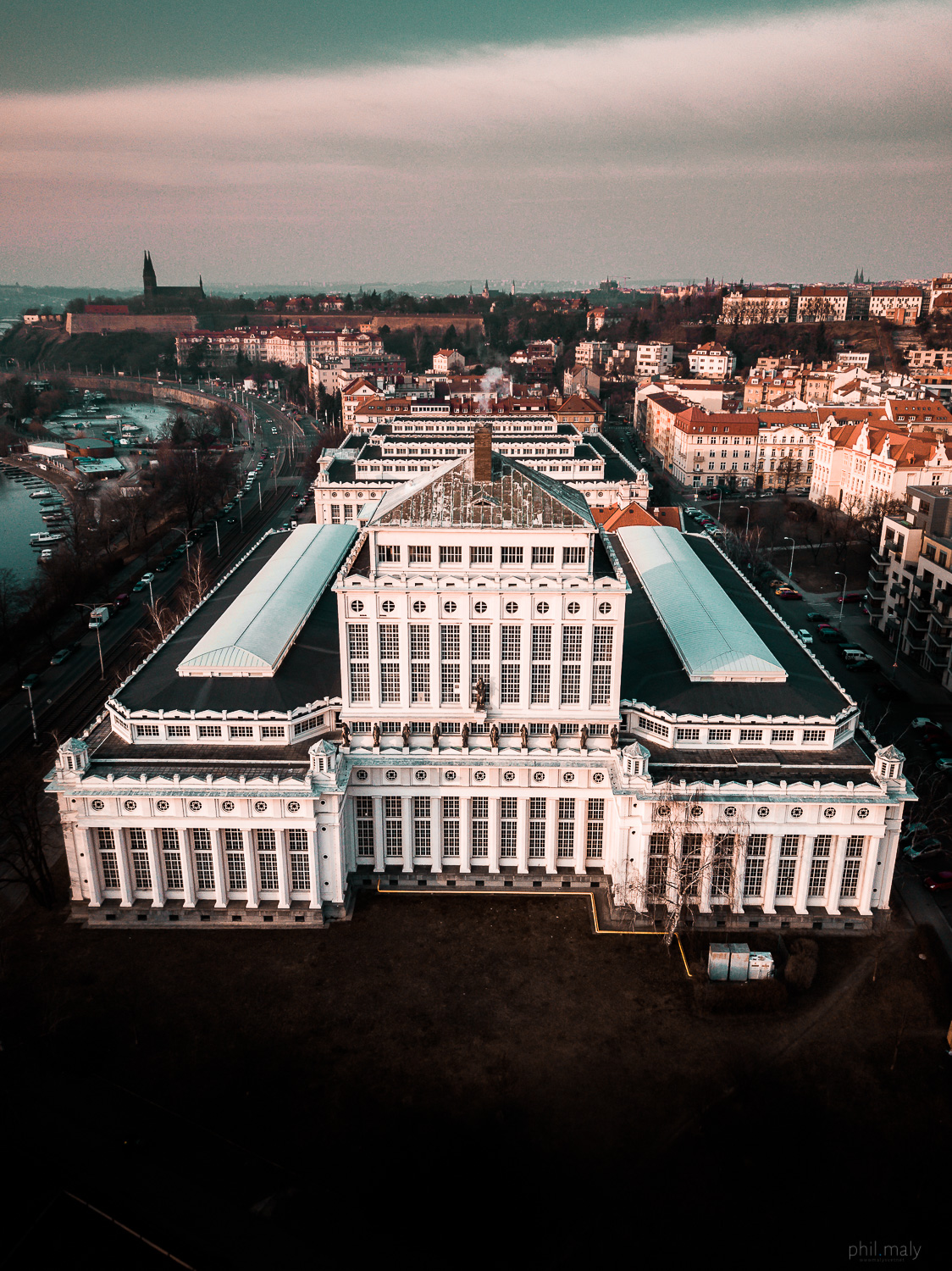Drone shot of an old building hosting Prag's water recycling factory