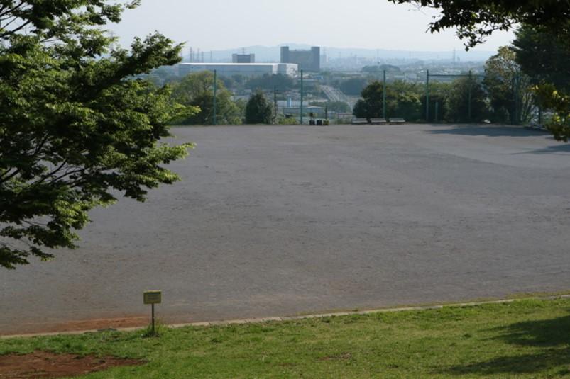 ぼうさいの丘公園より厚木市街地の眺め