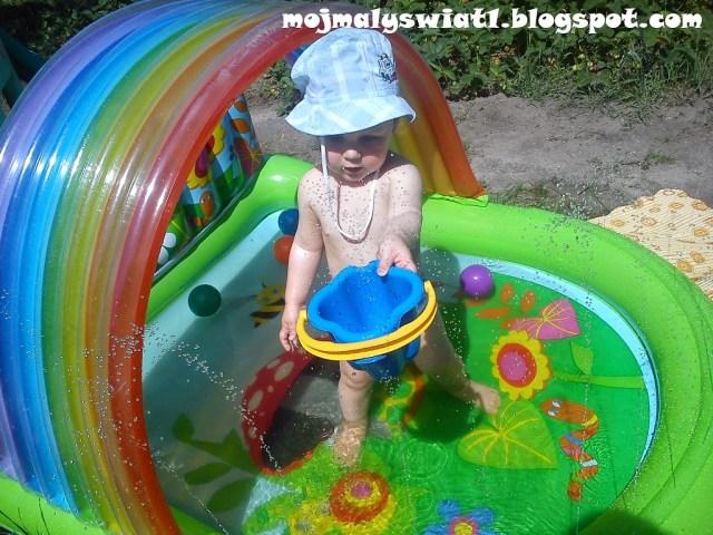basen z koszem do piłek