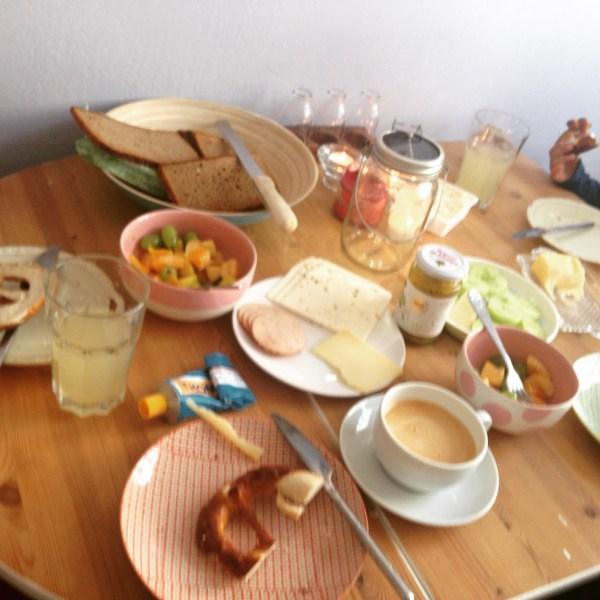 Frühstück vor dem Ausflug