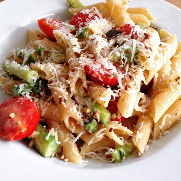 Spargel, Tomaten, Pasta e Basta