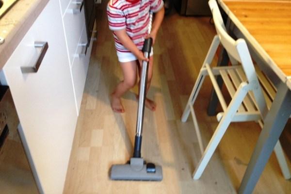 Saugen! Kinderarbeit! Juhu!