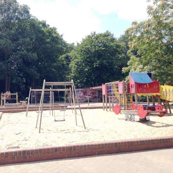 Spielplatz Elbroichpark - eher etwas für kleinere Kinder