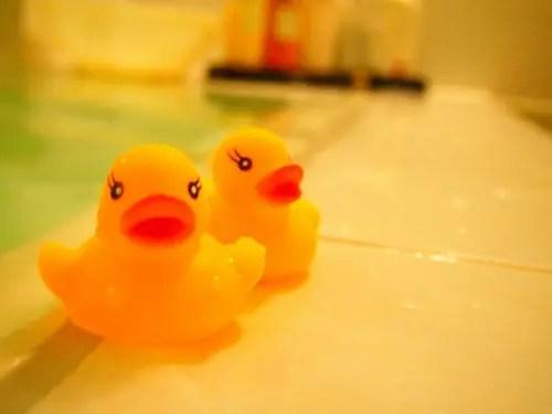 お風呂のあひる親子