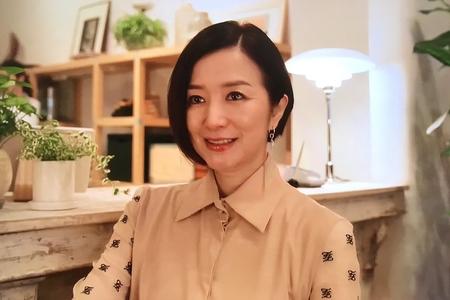 「グランメゾン東京」第8話・鈴木京香さんの衣裝!ニット,ブラウス,アクセサリーをチェック -page2   mama Jocee