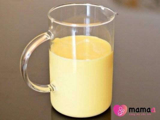 Sữa non có màu gì
