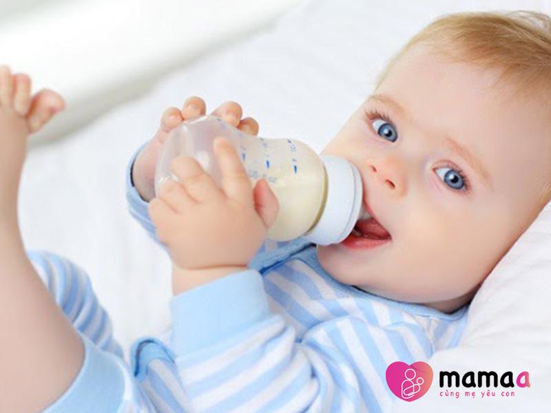 Sử dụng sữa non pha sẵn cho bé