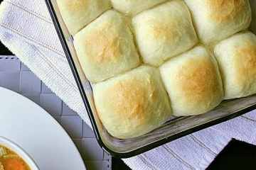 Quick Pull-Apart Dinner Rolls. These yummy pull-apart dinner rolls are perfect for when you only have a short time before your meal is ready and forgot about the buns! Ready in a little over 1 hour from start to finish, these buns will be your new go-to bun recipe!
