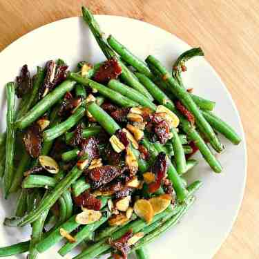 Low Carb Green Beans with Bacon and Almonds.