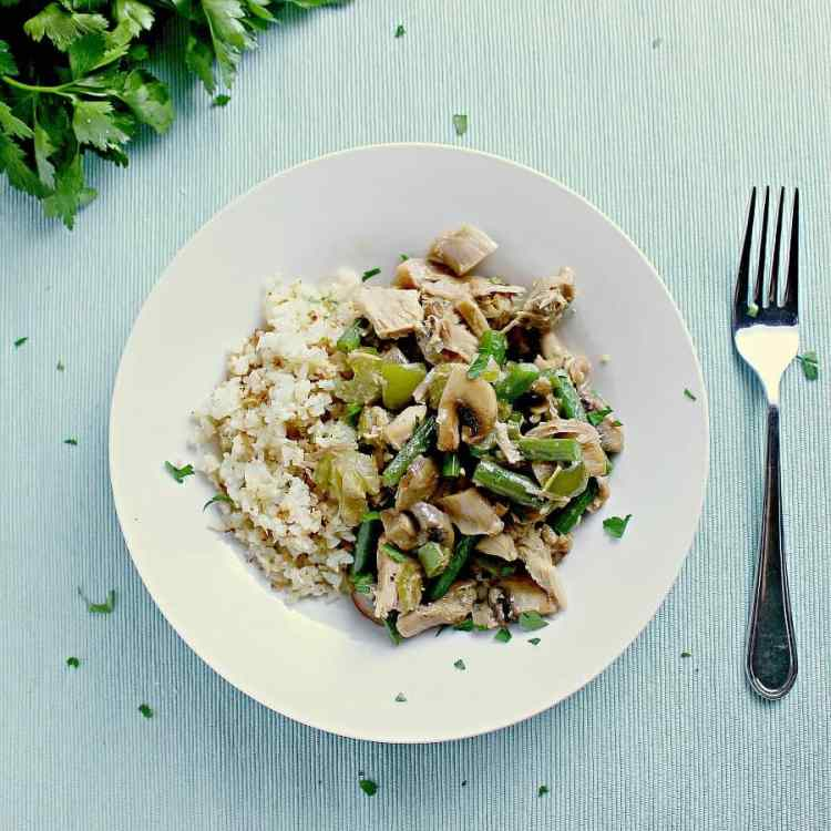 Perfect for busy weeknights, this quick and easy Low Carb Turkey a la King is loaded with flavour and pairs great with cauliflower rice or low carb breads.