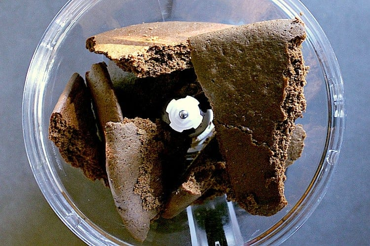 gingerbread inside a food processor.