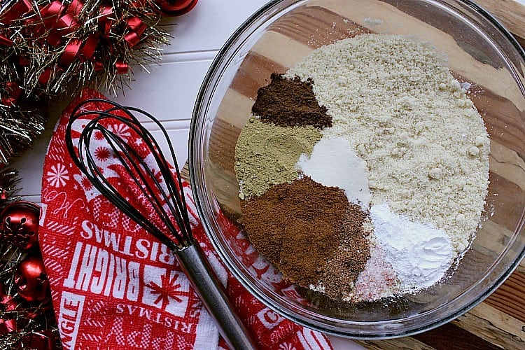 All of the dry ingredients in a medium sized bowl.